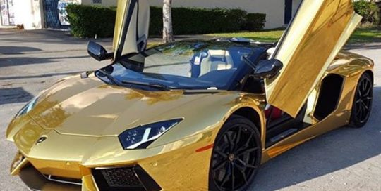 Lamborghini wrapped in Avery SW Gold Chrome vinyl