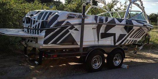 Nautique Boat wrapped in custom printed 3M IJ180mC vinyl