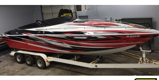 Baja Boat wrapped in custom printed 3M IJ180Cv3 vinyl with 8518 Gloss overlaminate