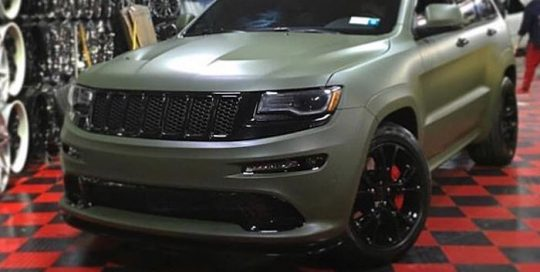 Jeep Grand Cherokee wrapped in Matte Military Green vinyl