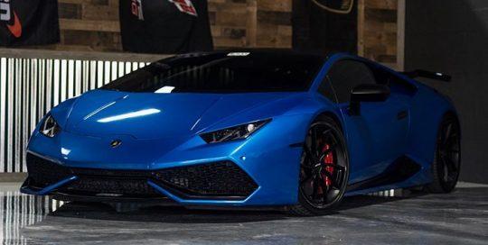 Lamborghini Huracan wrapped in Gloss Fire Blue vinyl