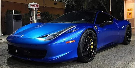 Ferrari-458 wrapped in Avery SW Gloss Bright Blue Metallic and Gloss Black vinyls
