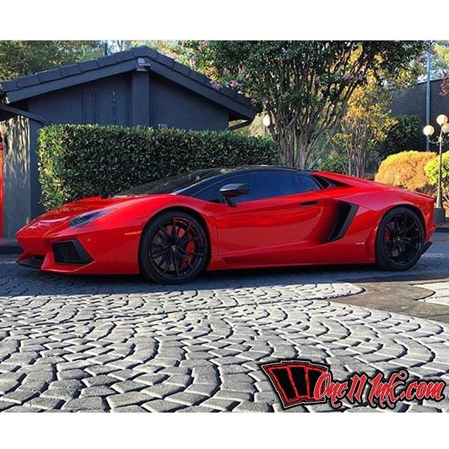 Lamborghini Aventador Wrapped In Avery SW Gloss Carmine