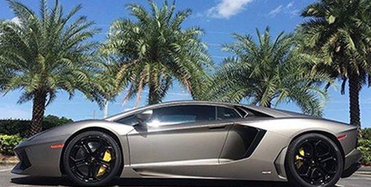 Lamborghini Aventador wrapped in Matte Silver vinyl