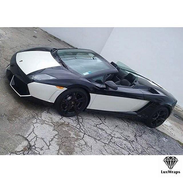 Lamborghini Gallardo wrapped in Gloss White and Black vinyls