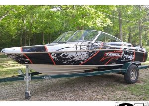 Tahoe Boat Q-5 wrapped in custom printed Arlon DPF 4600LX vinyl