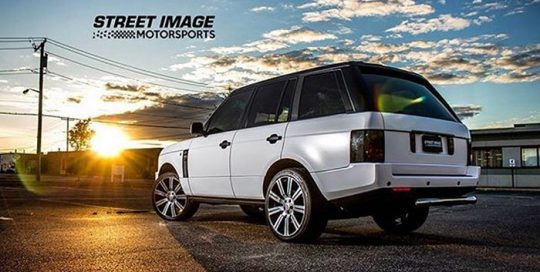 Range Rover wrapped in Avery SW Satin White and Satin Black vinyl