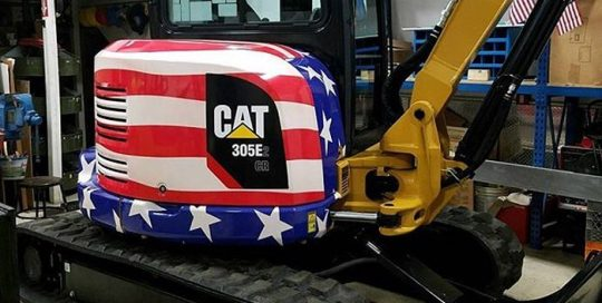 CAT Trucktor wrapped in printed Avery 1105EZRS Vinyl with 1360Z Gloss