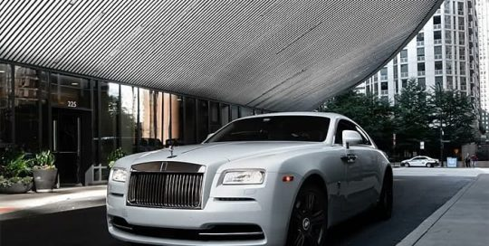 Rolls Royce Wraith wrapped in Avery SW Gloss Pearl White vinyl