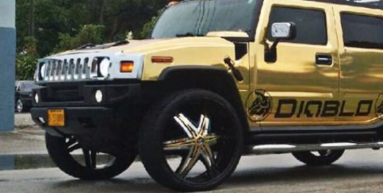Hummer wrapped in Avery Gold Chrome