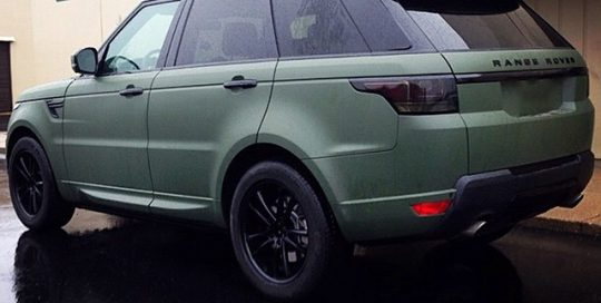 Range Rover wrapped in Matte Military Green
