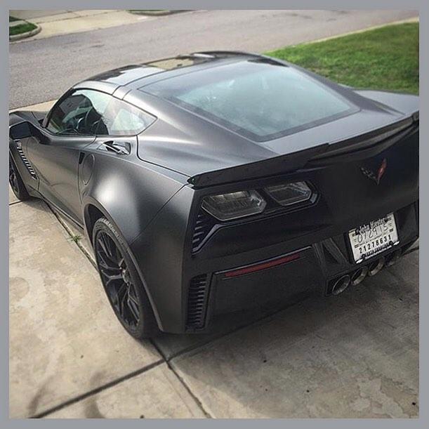Chevrolet Corvette Z06 wrapped in Avery SW Satin Black