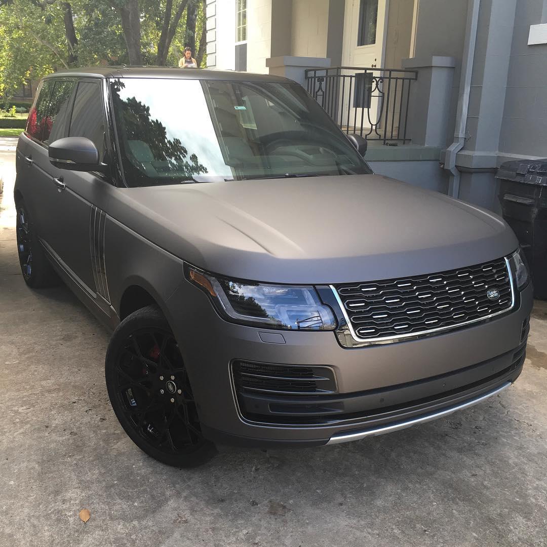 Range Rover wrapped in Matte Charcoal Metallic vinyl