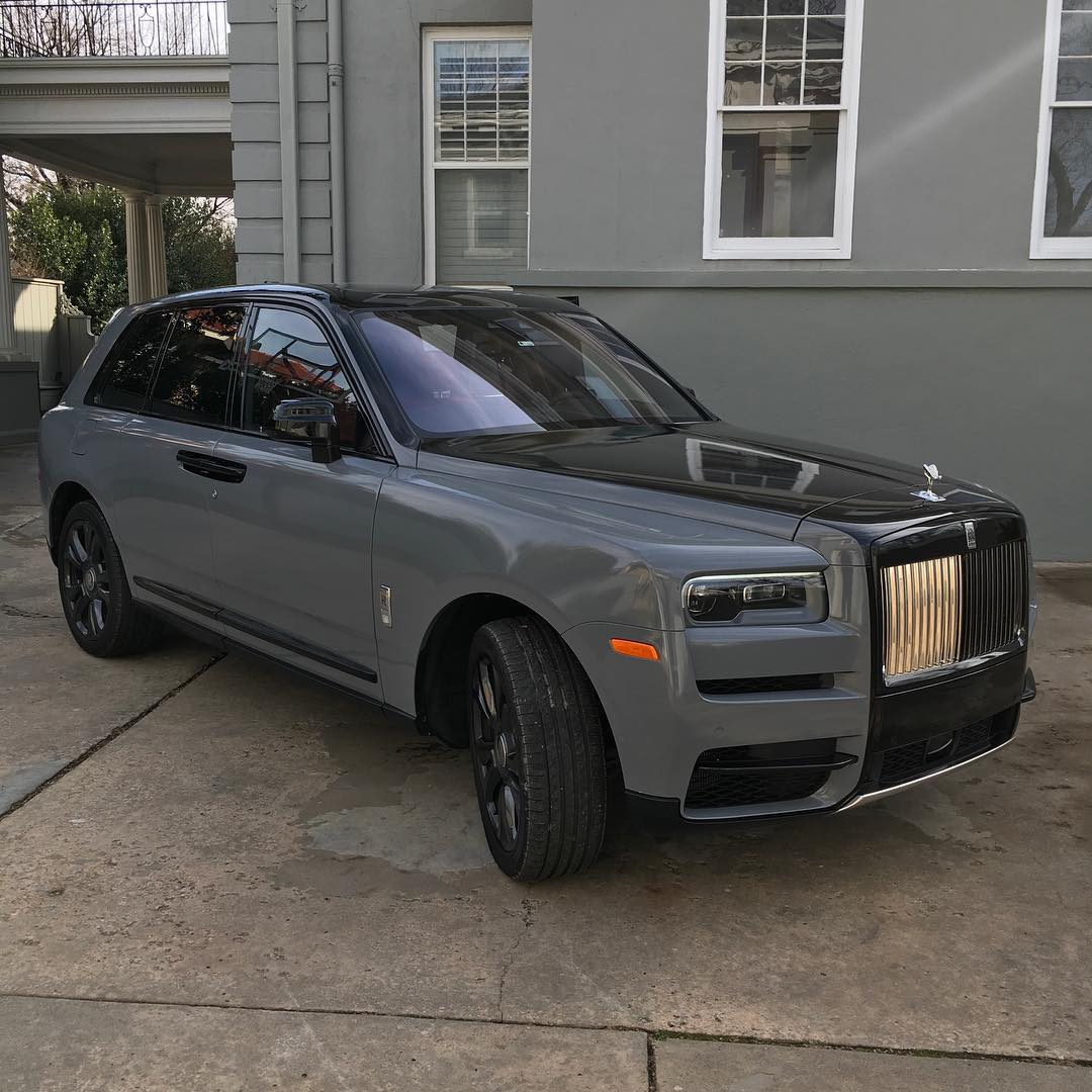 Rolls Royce Ghost wrapped in Gloss Nardo Gray and Gloss Black vinyls