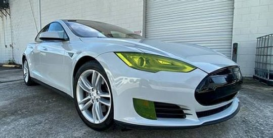 Tesla wrapped in @orafol_americas Gloss Simple Grey viny